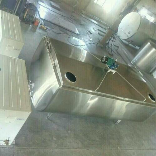 Heavy Duty Bulk Milk Cooler Capacity: 1000 Liters To 10000 Liters Liter/Day