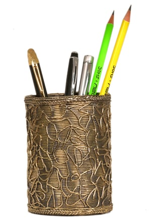 Dhokra Fibrous Root Designed Round Pen Stand for Office Table
