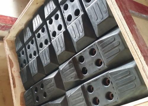 Black Color Rubber Track Pad