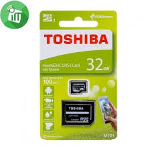 Toshiba Class 10 Memory Card Body Material: Plastic