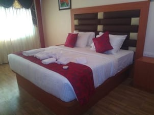 Printed Hotel Bed Runners