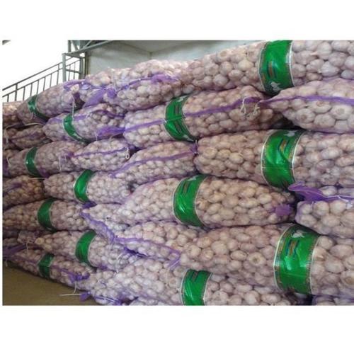 White Completely Fresh Garlic