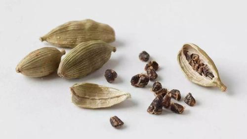 Dried Raw Cardamom Spice