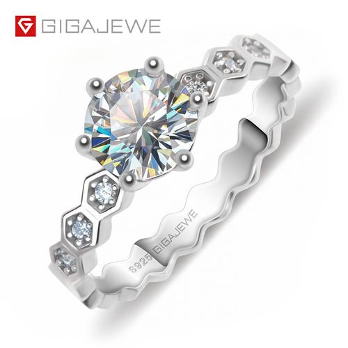 Gigajewe 0.8CT Round Cut Moissanite 925 Silver Wedding Ring