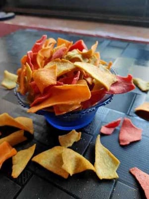 Whole Wheat Roasted Mixed Vegetable Chips