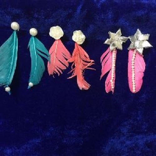 Women Attractive Feather Earrings
