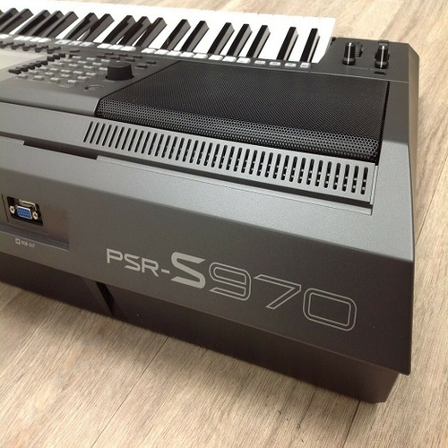 Yamaha PSR S970 76 Keys Speakers Keyboard