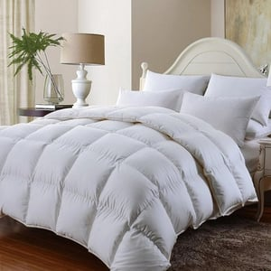 Whiter Hotel Quilt With Micro Fibre Filling