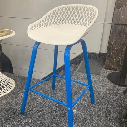 Various Colors Are Available Bar Stool With Plastic Seat And Powder Coated Ms Pipe