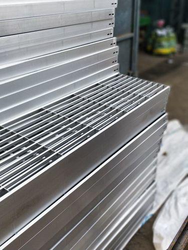 High Grade Aluminum Gratings