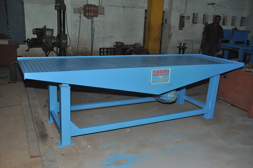 Vibro Forming Table Plant in   Moon Nagar Chowk