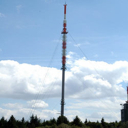 Guyed Supported Mast Tower