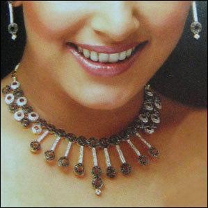 Ladies Handmade Gold Necklace