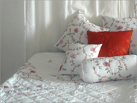 Breathable Ultra Soft White Bedspreads