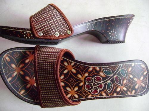 Wooden Ladies Sandals