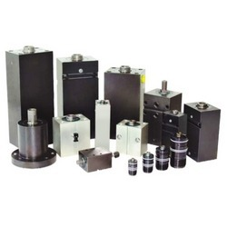 Hydraulic Actuator For Moulds