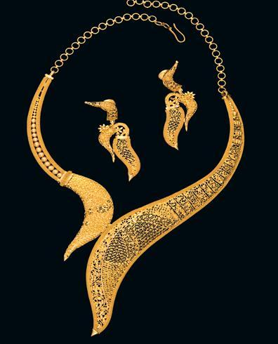 Modern Design Gold Necklace Set M P Jewellers Private Limited