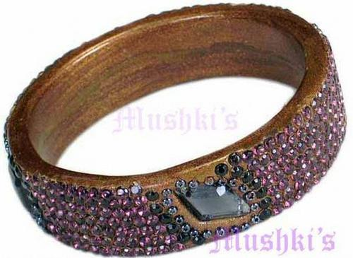 Ladies Lac Bangles in  Chameli Wala Market-M.I. Road