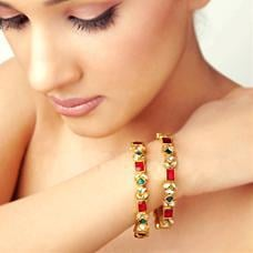 Bangle Made In Red Quartz And Green Onyx/Kundan