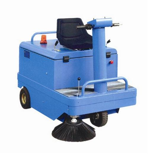 Self Propelled Ride On Mechanical Sweeper