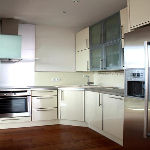 Modern Kitchen Cabinets In Chennai, Tamil Nadu