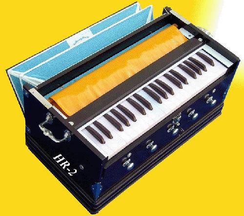 Harmonium (HR-2) - Melvin Musicals, Door No-B/4, Nandanvan