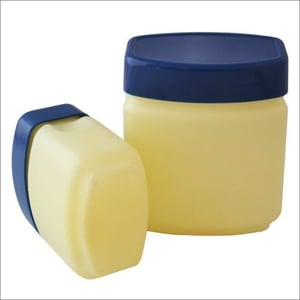 White Petroleum Jelly For Skin Care