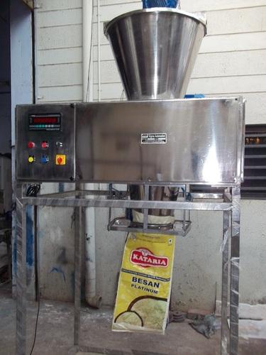 Automatic Besan Pouch Packing Machine