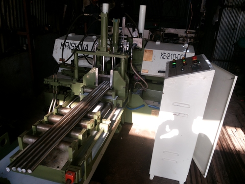 Double Column Type Bandsaw Machine in   WADHWAN