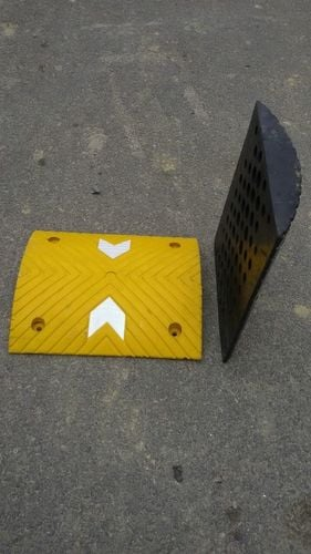Rubber Road Hump 20 Ton 75mm Height