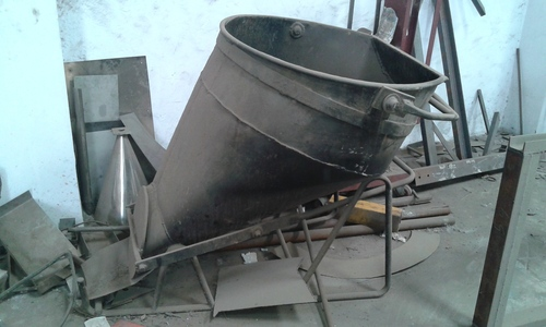 Laydown Concrete Bucket