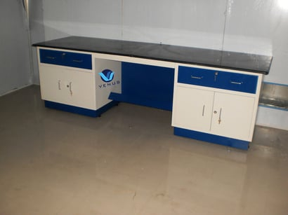 Stainless Steel Laboratory Instrument Table