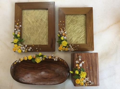 Hand Crafted Photo Frames in  New Alipore