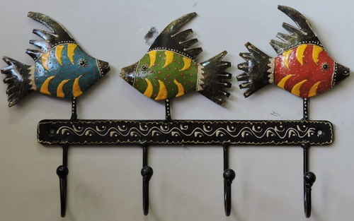 Hand Painted Metal Fish Design Four Hook Cloths Key Holder
