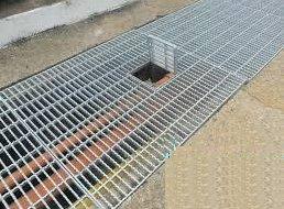 Hot Deep Galvanised Fabricated Grating in  Surat Nagar