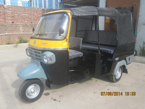 Three Seater Diesel Auto Rickshaw