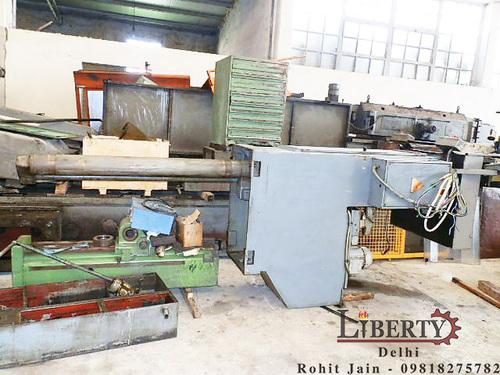Vertical Broaching Machine - Varinelli