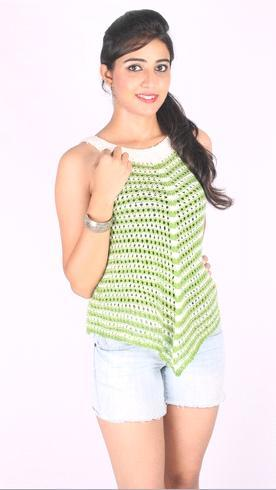 Hand Knitted Ladies Sleeveless Top in   Sector 70