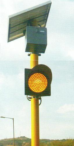 Solar Traffic Signal Blinker in  Nigdi