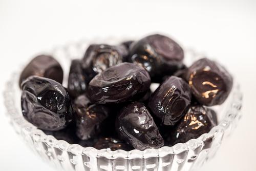 Black Whole Olives