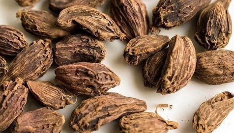 Dry Black Cardamom in   District- Kamrupmetro