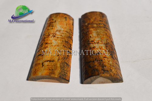 Dyed Stabilized Snake Look Bone Radius Scales  Application: Knife