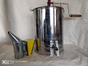 Stainless Steel Honey Extractor with 4 Frames Capacity