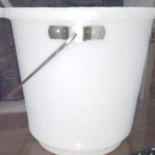 Durable And Seamless Plastic Bucket