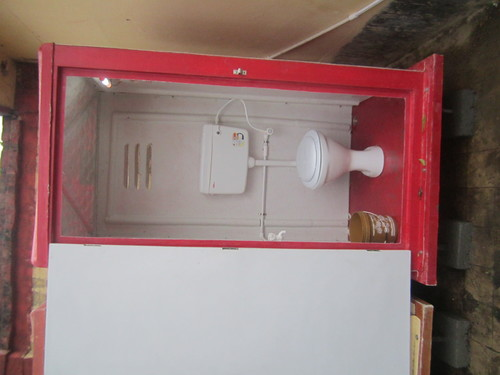 Ivory Easy To Assemble Portable Toilet