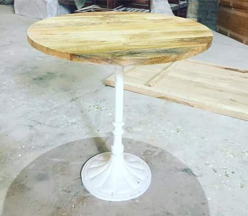 Round Shape Restaurant Table