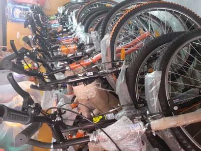 Branded Single Speed Bicycle Gross Weight: Vary Kilograms