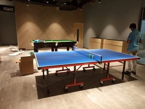 Tournament Table Tennis Table ( Size 9'X5') With 2 Racket And 6 Balls