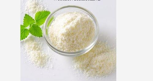 White Dried Coconut Powder
