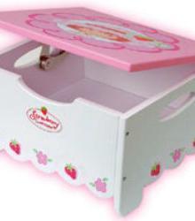 Strawberry Shortcake Step Stool